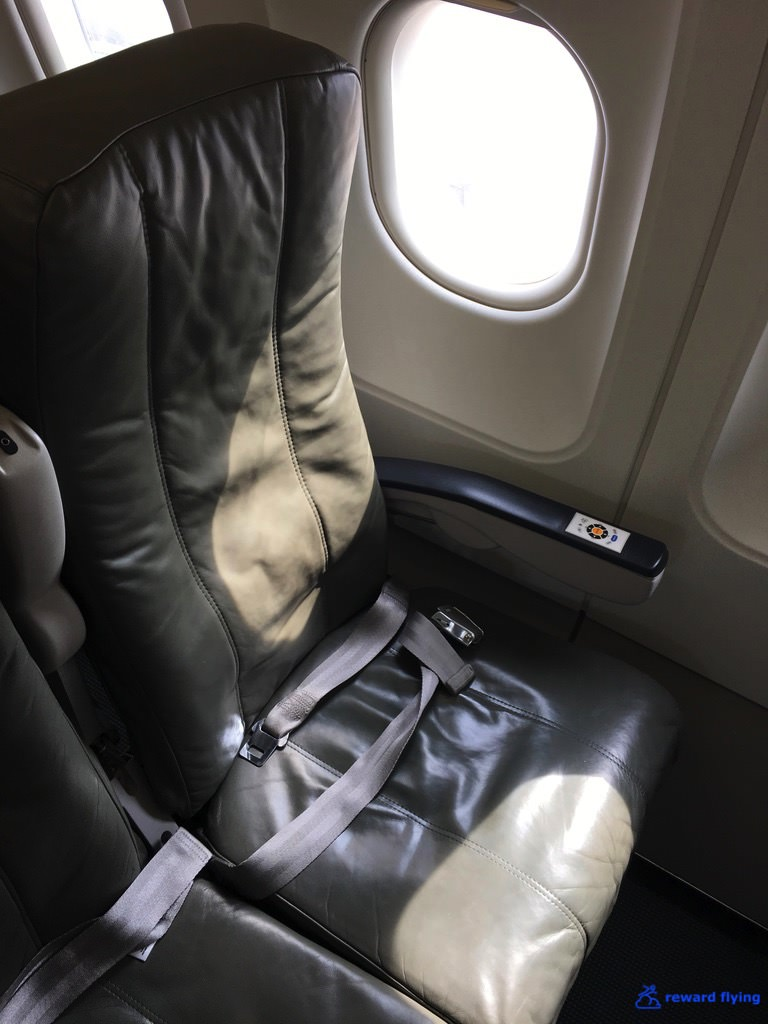 B6906 Seat 1.jpg