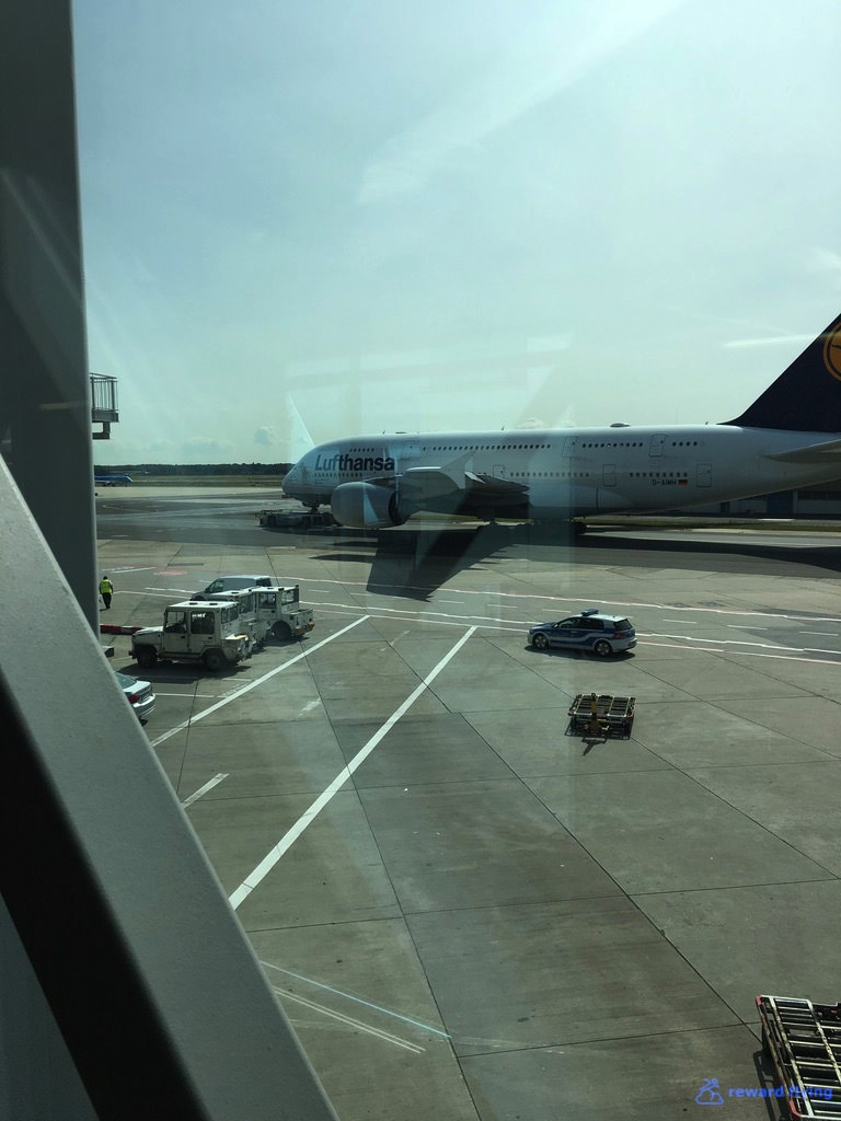SQ25-2 Scenic LH A380.jpg