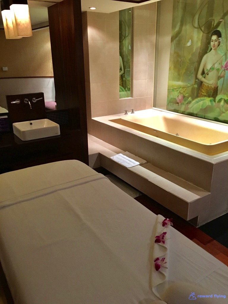 BKKRFL Spa Massage Room 1.jpg