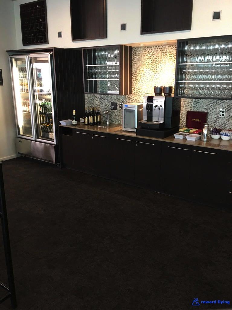 NZ421 Lounge Food 6.jpg