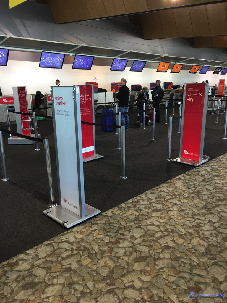 JQ258 Airport 2.jpg