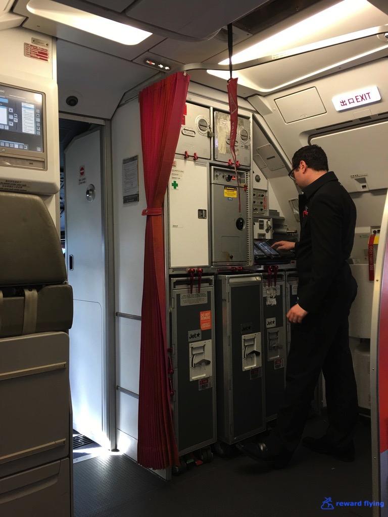 JQ258 Cabin 3.jpg