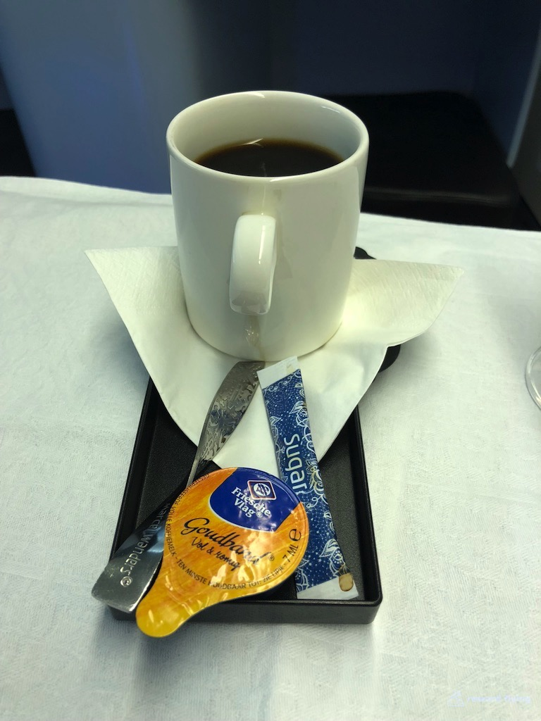 KLM835 Food Coffe.jpg