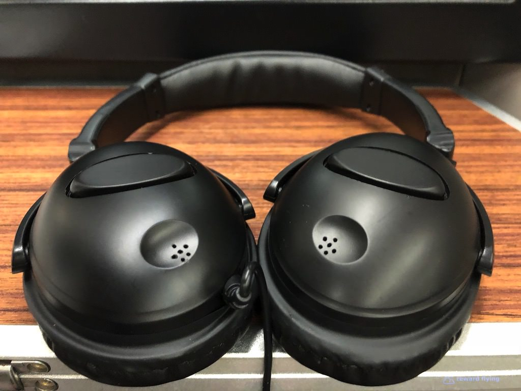 GA870 IFE Headphones.jpg