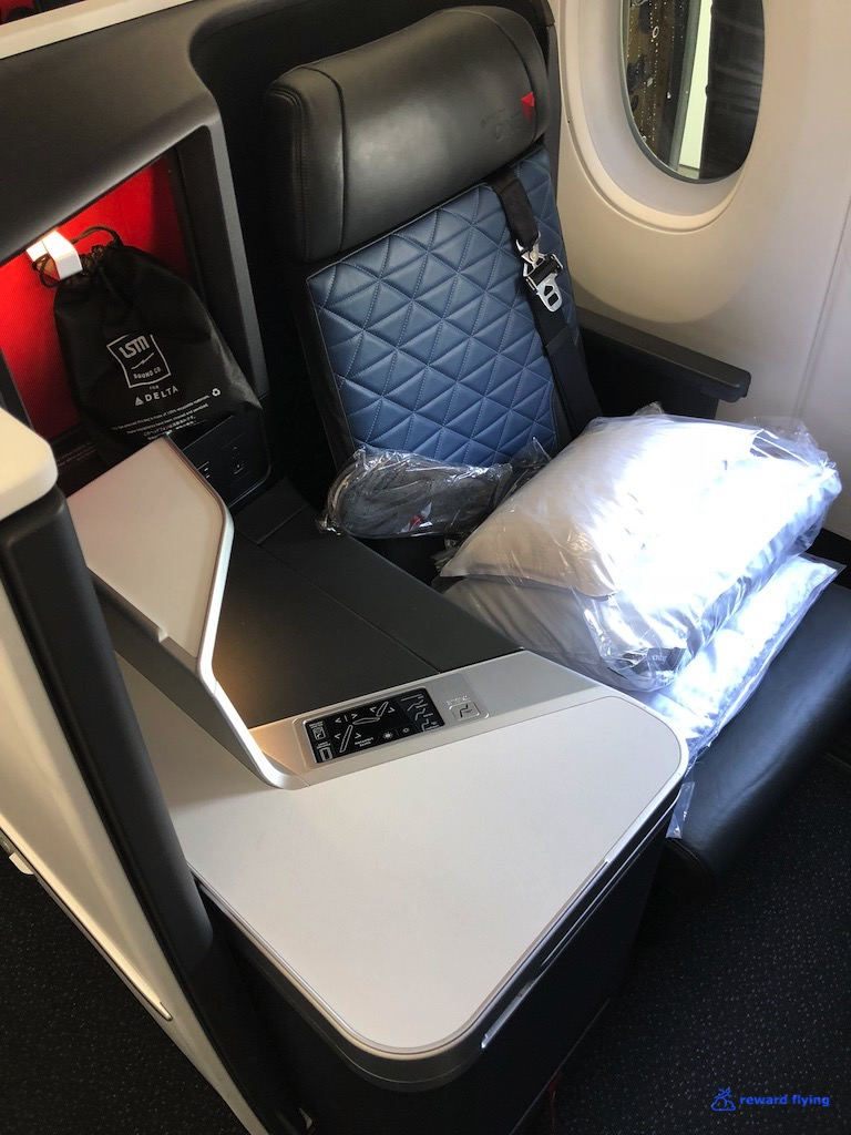 DL158 Seat 1.jpg