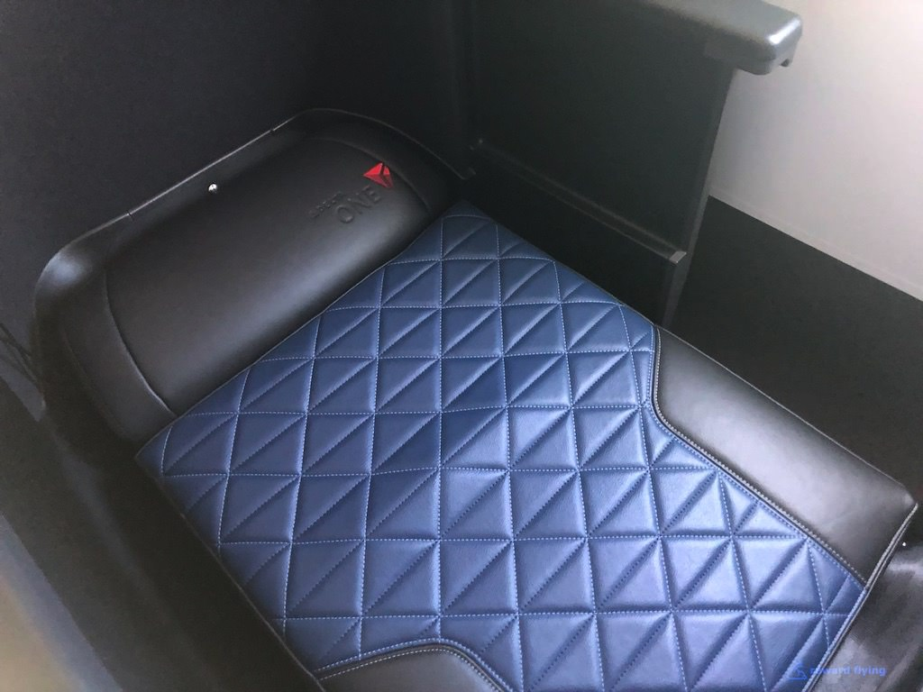 DL158 Seat Bed 1.jpg