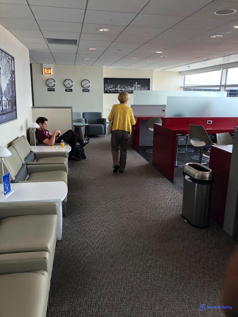 KL612 Lounge 2.jpg