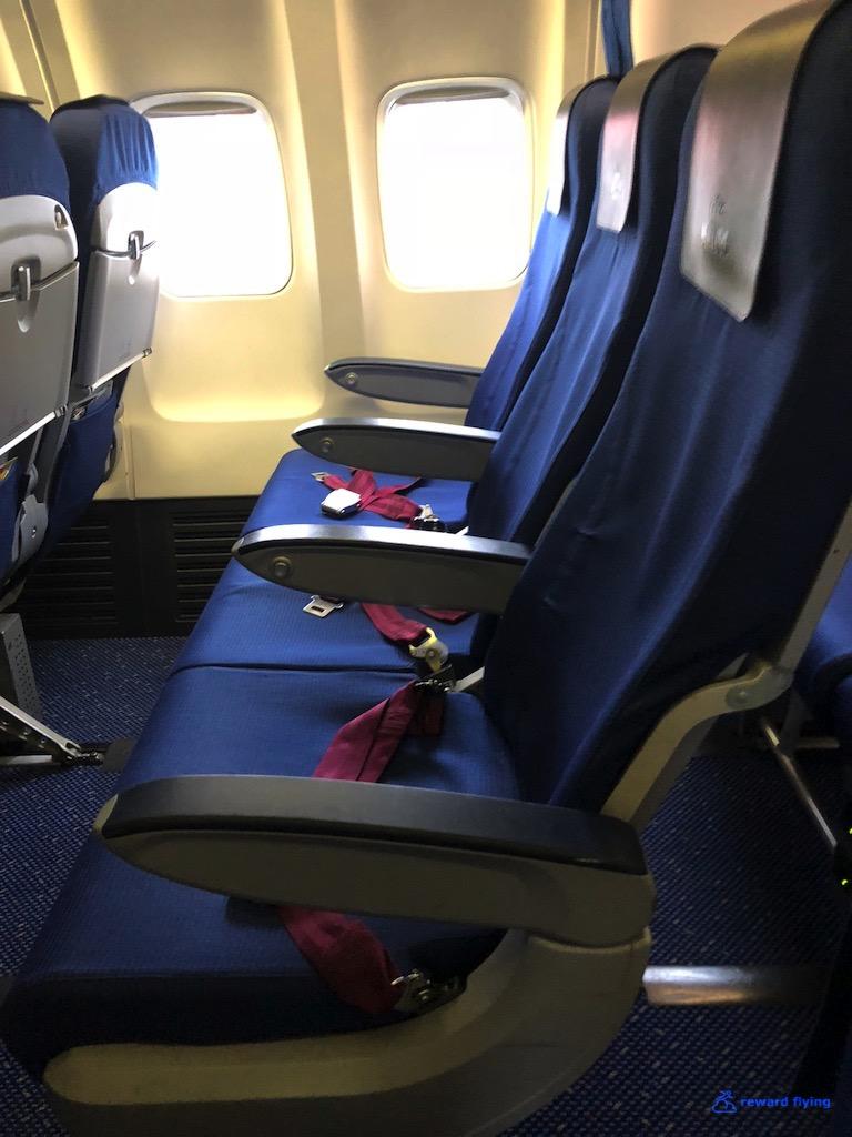 KL1233 Cabin 2.jpg