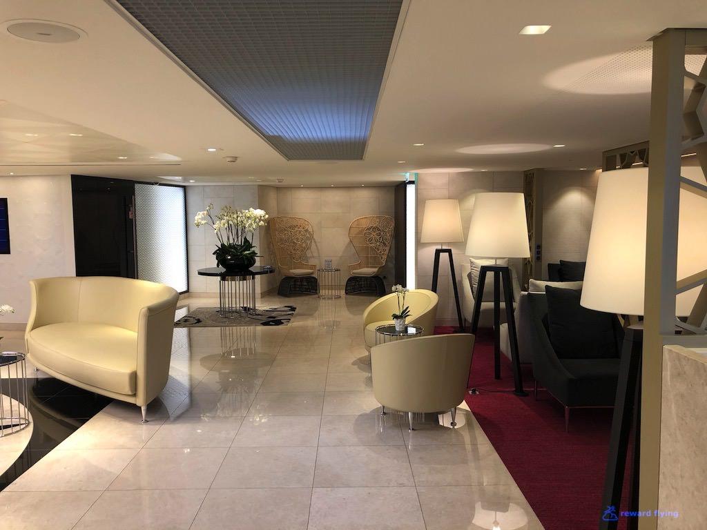 QR42 Lounge 3.jpg