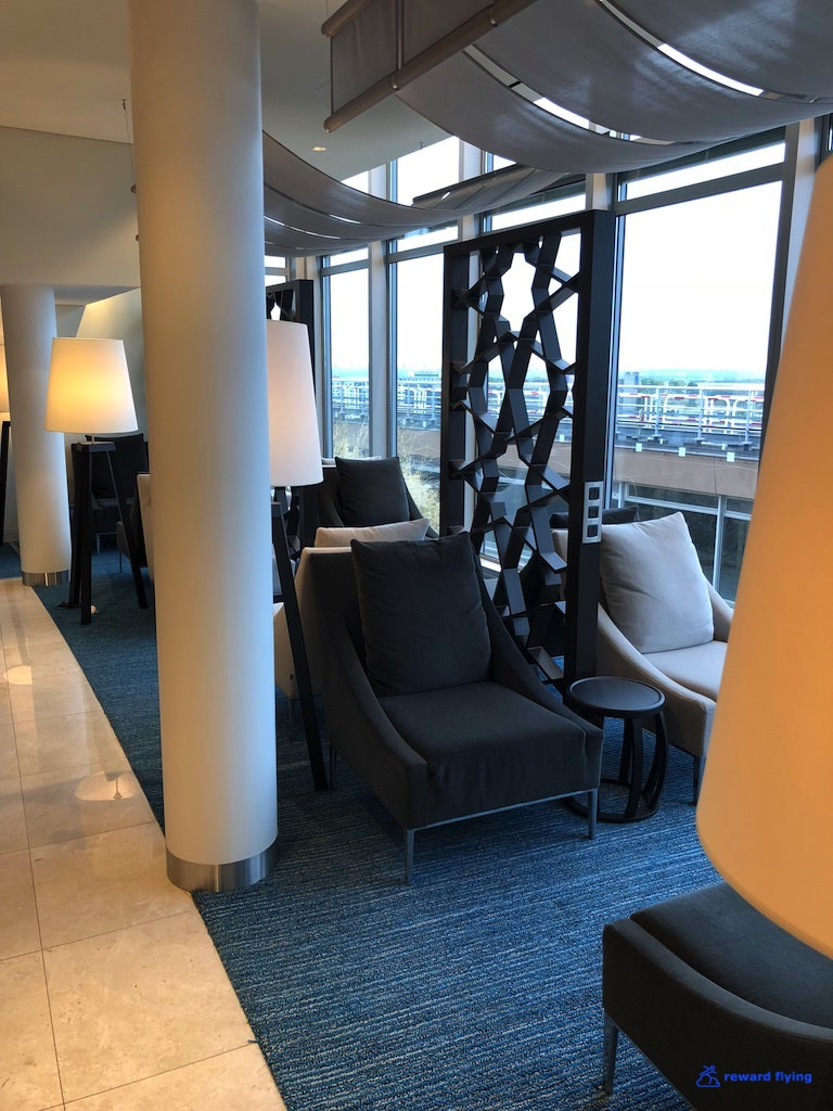 QR42 Lounge 8.jpg