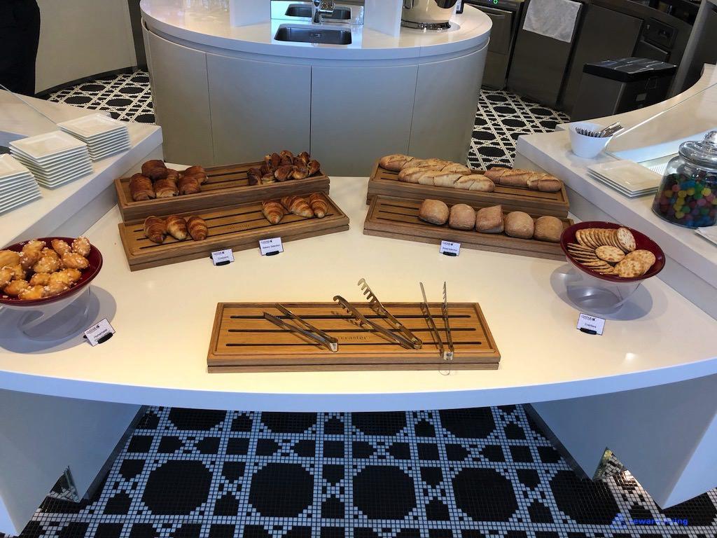 QR42 Lounge Food 6.jpg