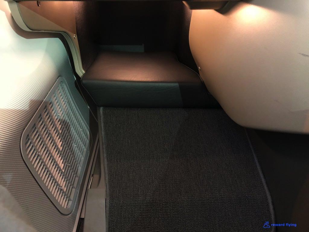 QF906 Seat Foot Rest 1.jpg