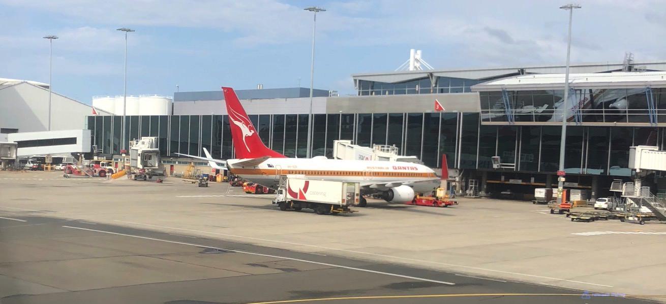 QF926 Plane Retro 2.jpg