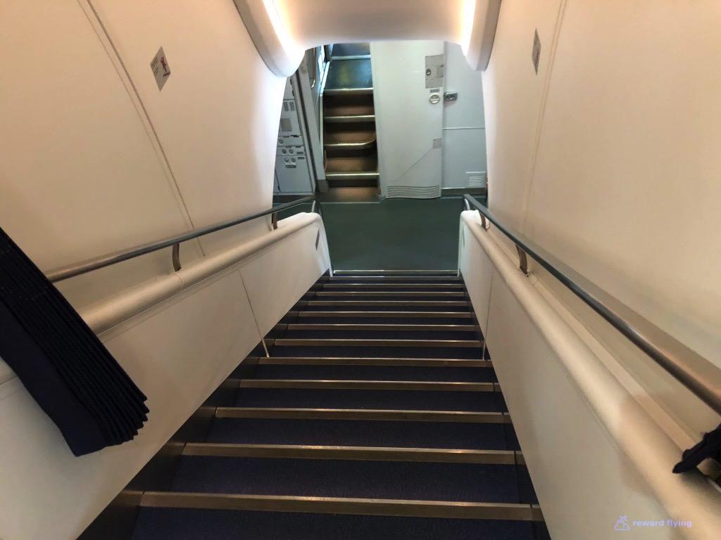 LH723 Cabin Stairs.jpg