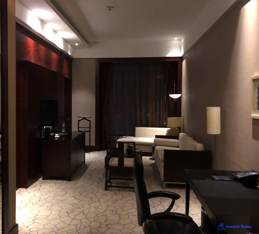 LH723 Hilton 1.jpg