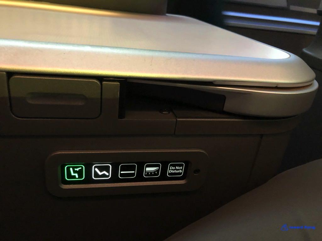 BR872 Seat Controls.jpg