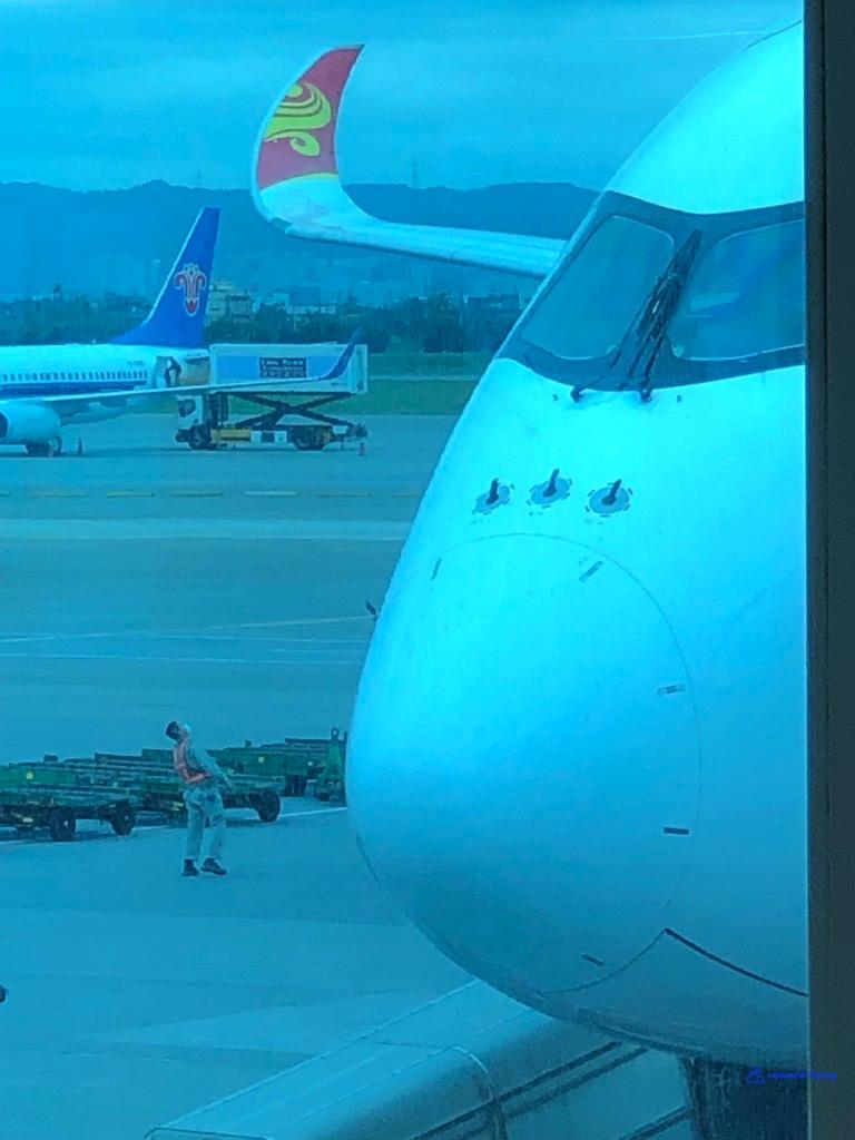 HX253 Plane 10.jpg