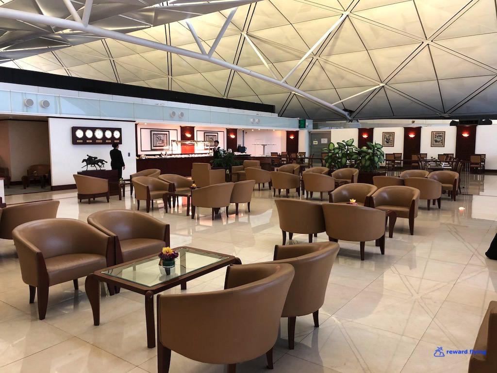 EK383 Lounge 2.jpg