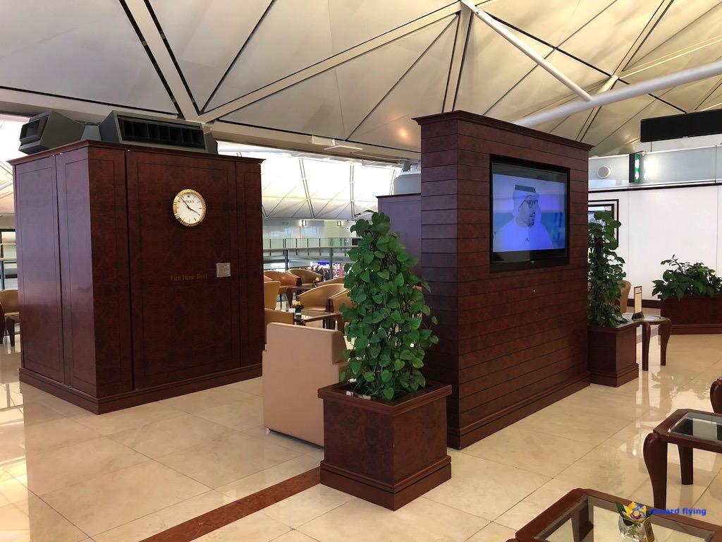 EK383 Lounge 3.jpg