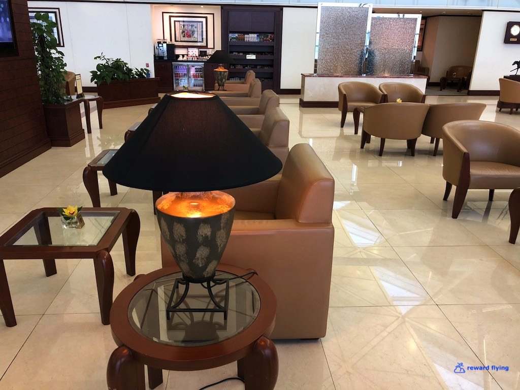 EK383 Lounge 4.jpg