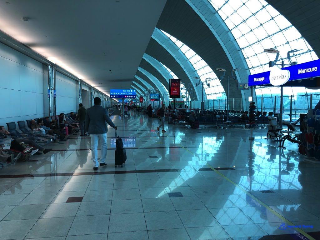 EK235 Airport 5.jpg