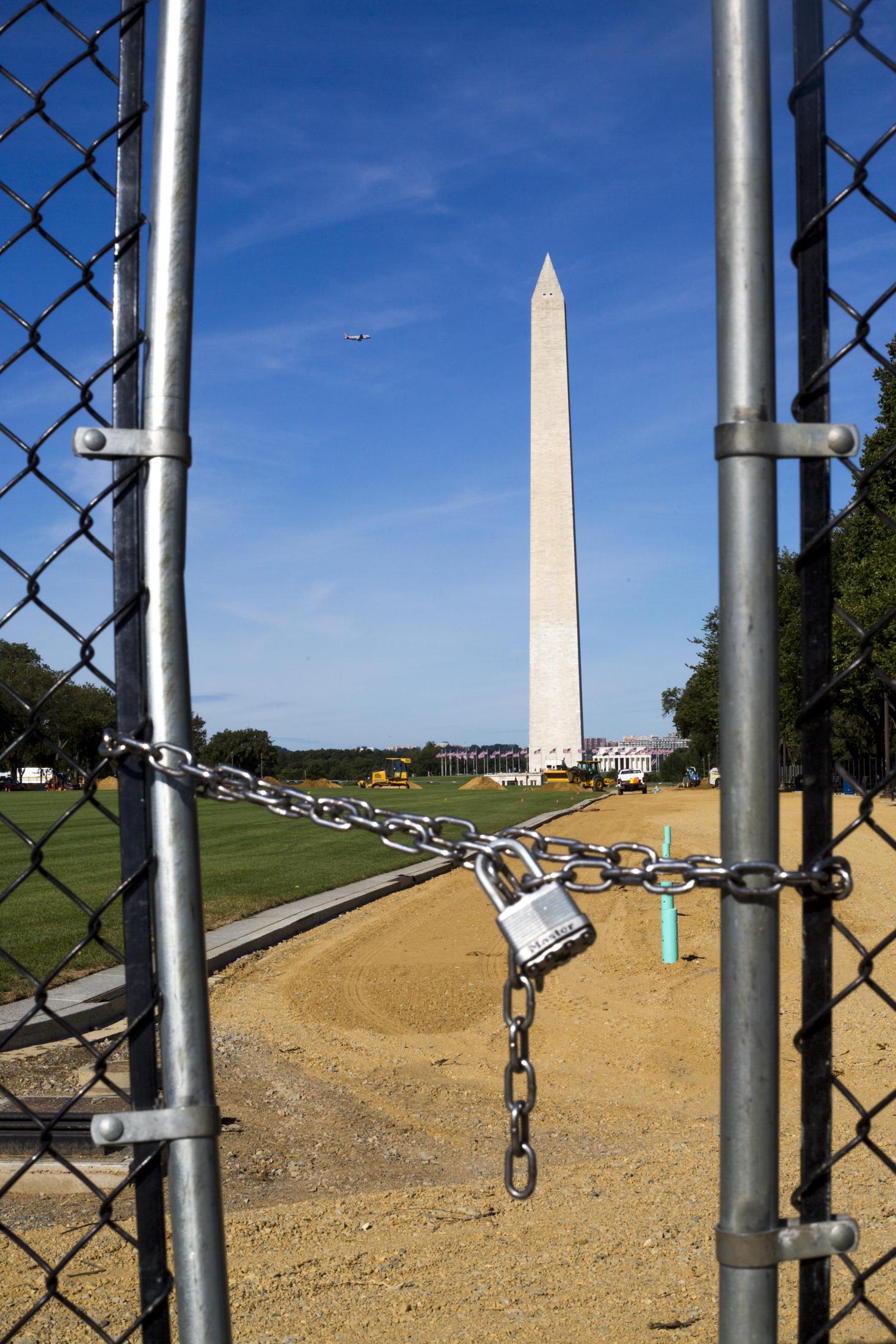 Washington Memorial Lock-001.jpg
