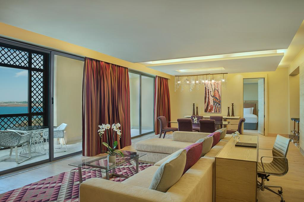 Pixelesque Photography on Canvas in The Dead Sea Hilton Resort & Spa