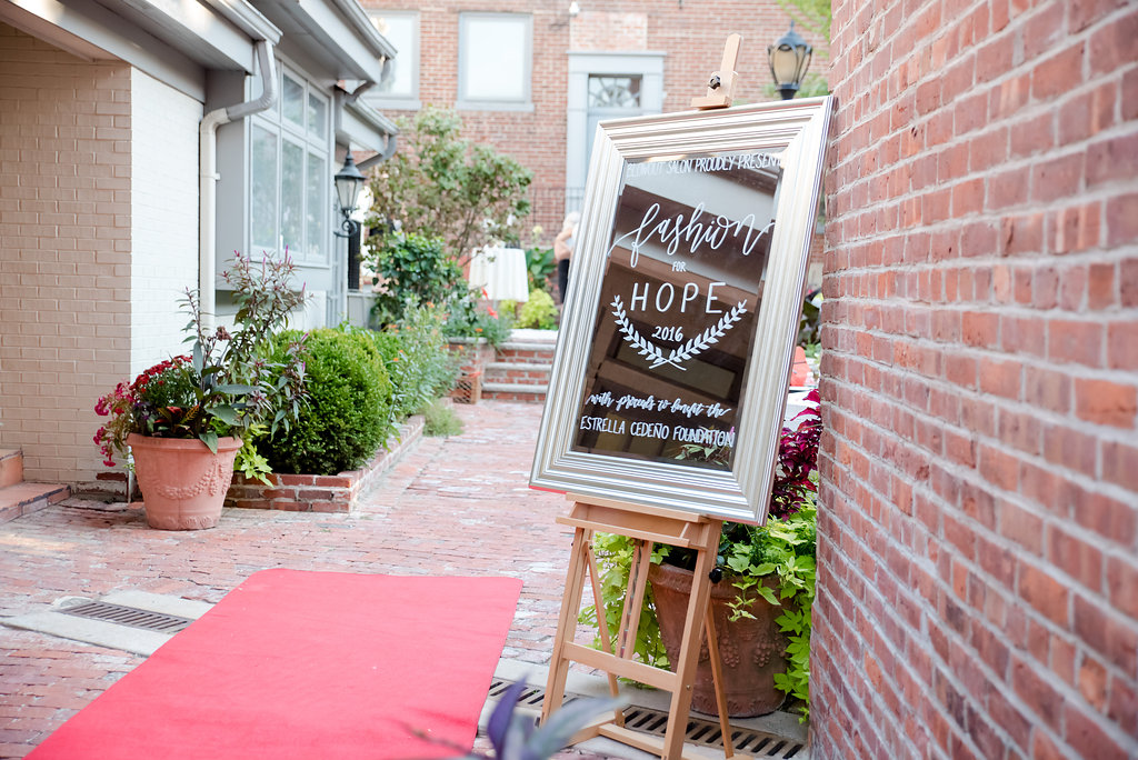 GALLERY-2016-09-23FashionforHopeEvent96939-29.jpg