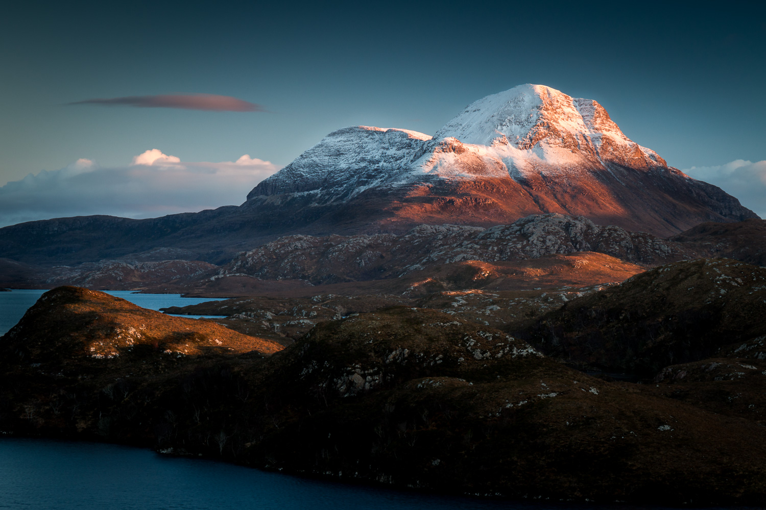 The late sun on the slopes of Cùl Beag.