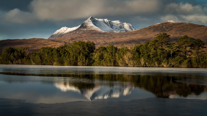 Beinn Mhòr Na Còigich reflections in Loch Cùl Dromannan.