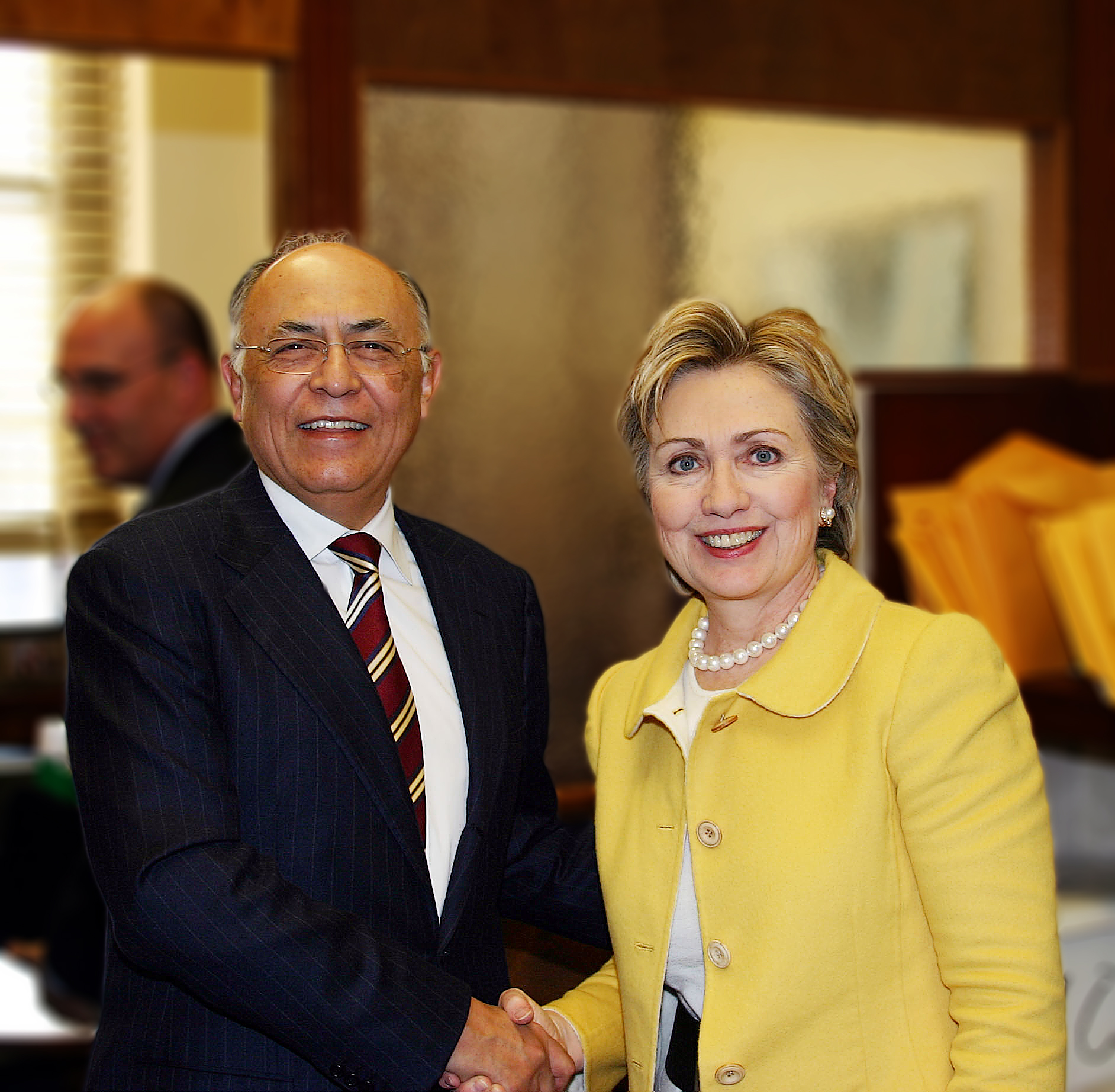Hector with Hillary Clinton Jan. 2007-Edit copy.jpg