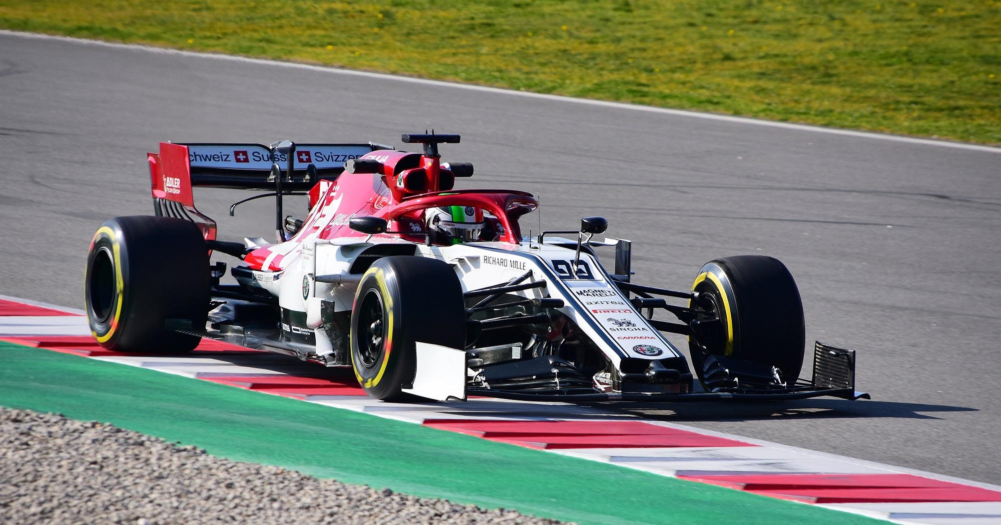 Alfa_Romeo_C38_Antonio_Giovinazzi_ITA_ALFA_ROMEO_RACING_(46388731925).jpg