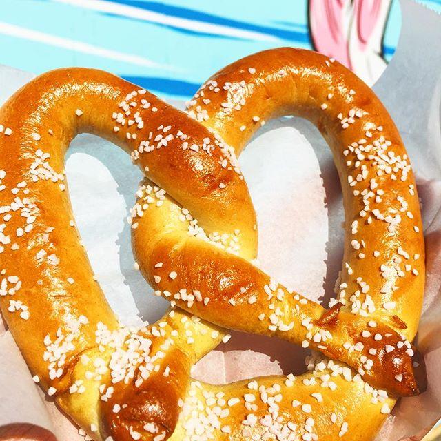 Happy St. Patrick's Day! Pretzels and Beer today 😉 . . . . #tryitordiet #foodyfetish #churros #pretzels #tastemade #eventspecialists #frozenlemonade #LA #minutemaid #eventplanning #lovefoodextra #vendor #foodvendor #catering #insiderfood #losangeles #foodbeast #insider #thrillist  #churrolyfe #musicfestival #festivals #concert  #foodnetwork #eater #hypebeast #eatingfortheinsta #laeats #churrocart
