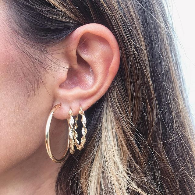 Hoops I did it again💫 . . . . . . #imperfectaddiction #love #jotn #jotd #jewelryinspo #businessowner #instafashion #fashioninspo #goldring #dainty #gold #14kgold #wearewomenowned #smallbusinesstips #minimaljewelry #femalefoundercollective #glow #albanian #gifts #giftideas #NYC #solidgold #jewelrylover #glowup #giftsforher #smallbusiness