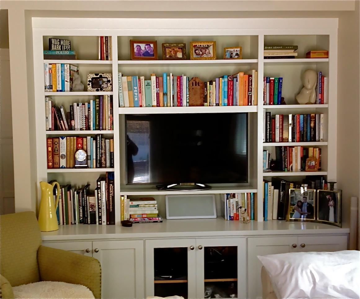 Pealuma white entertainment system.jpg