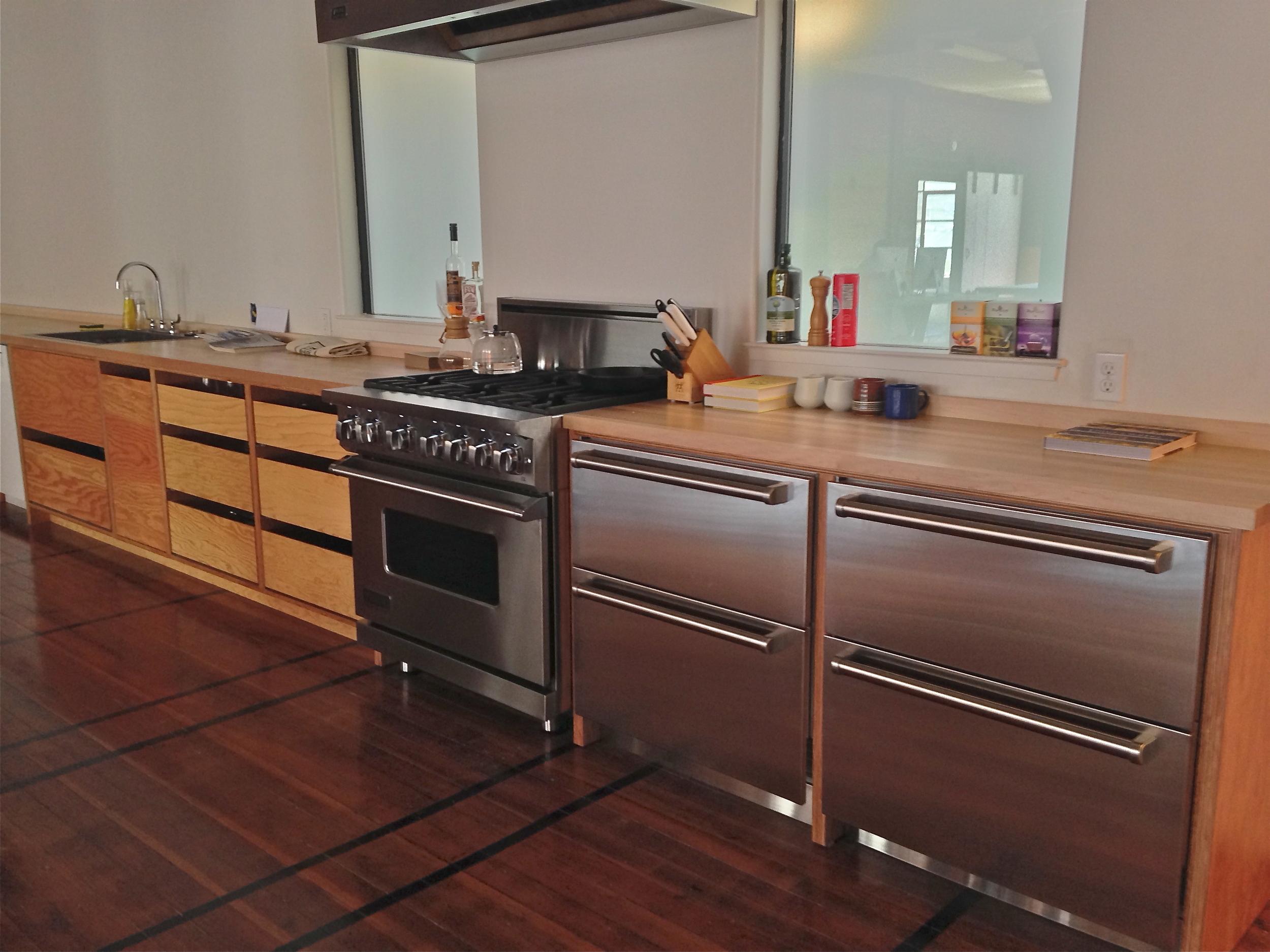 tech co kitchen.jpg