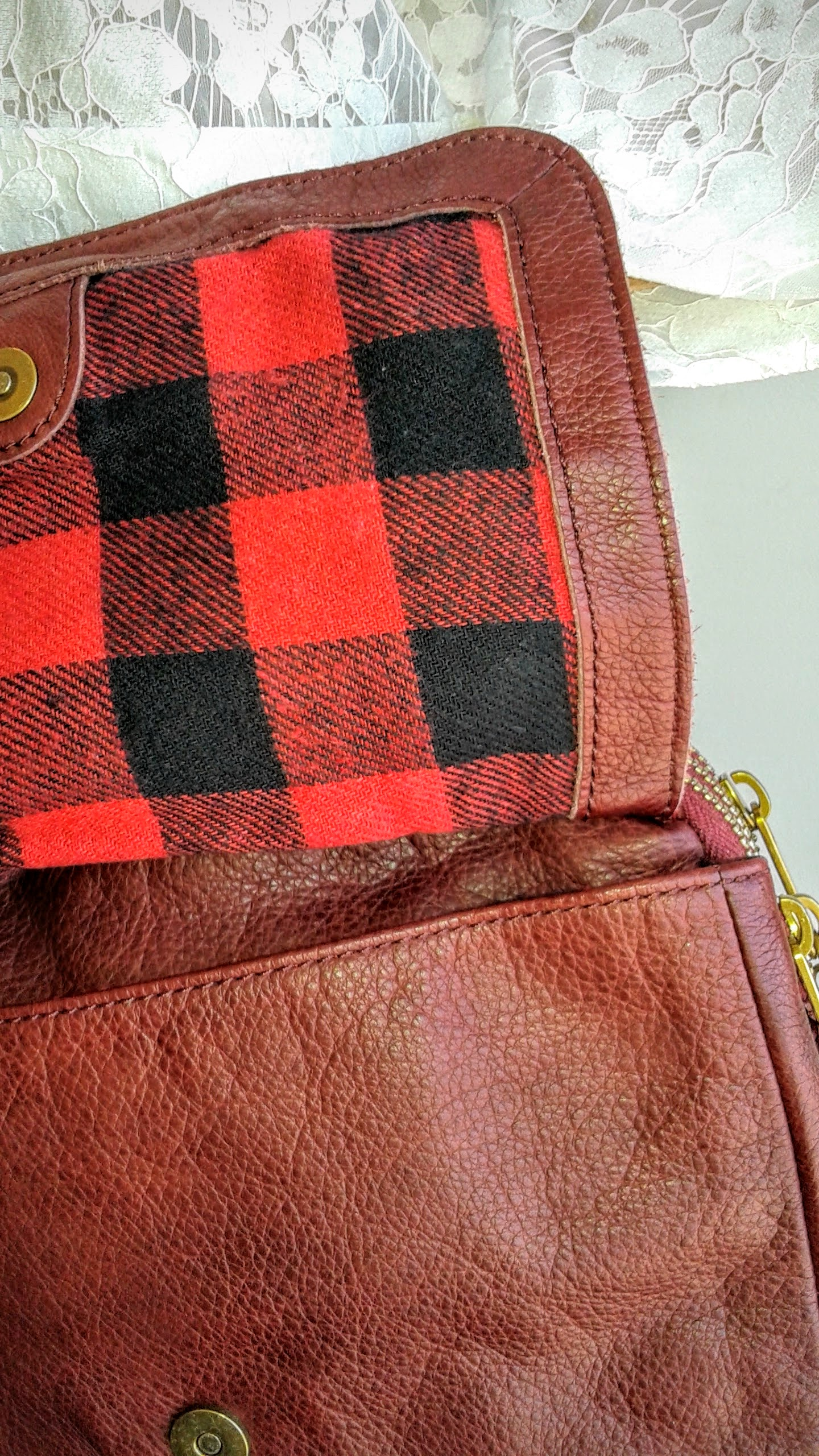 Plaid flannel lining inside the purse!