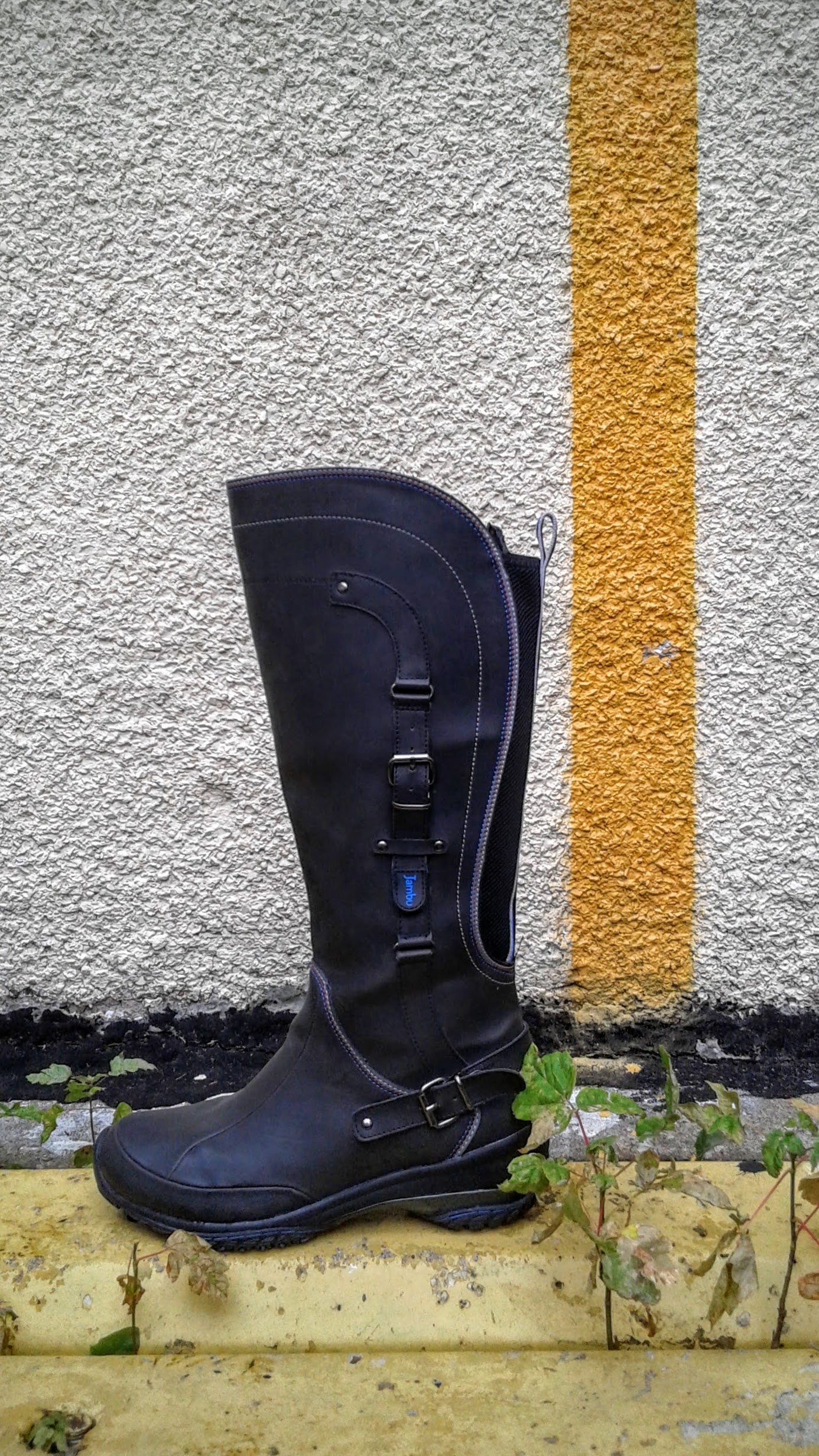 Jambu  boots; S8.5, $42