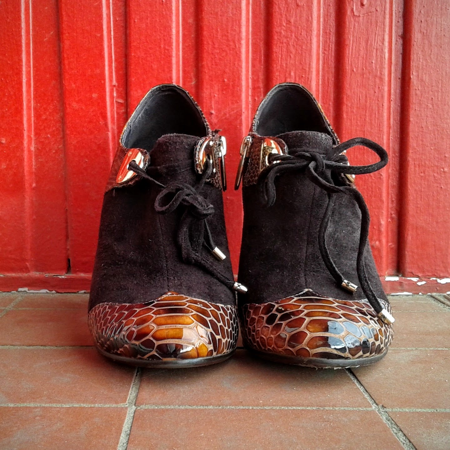 Brown shoes; S6.5, $38