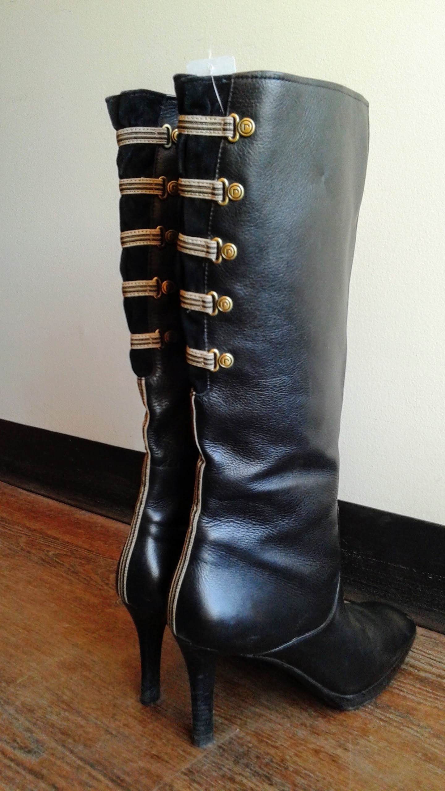 Rockport boots; S8.5, $75
