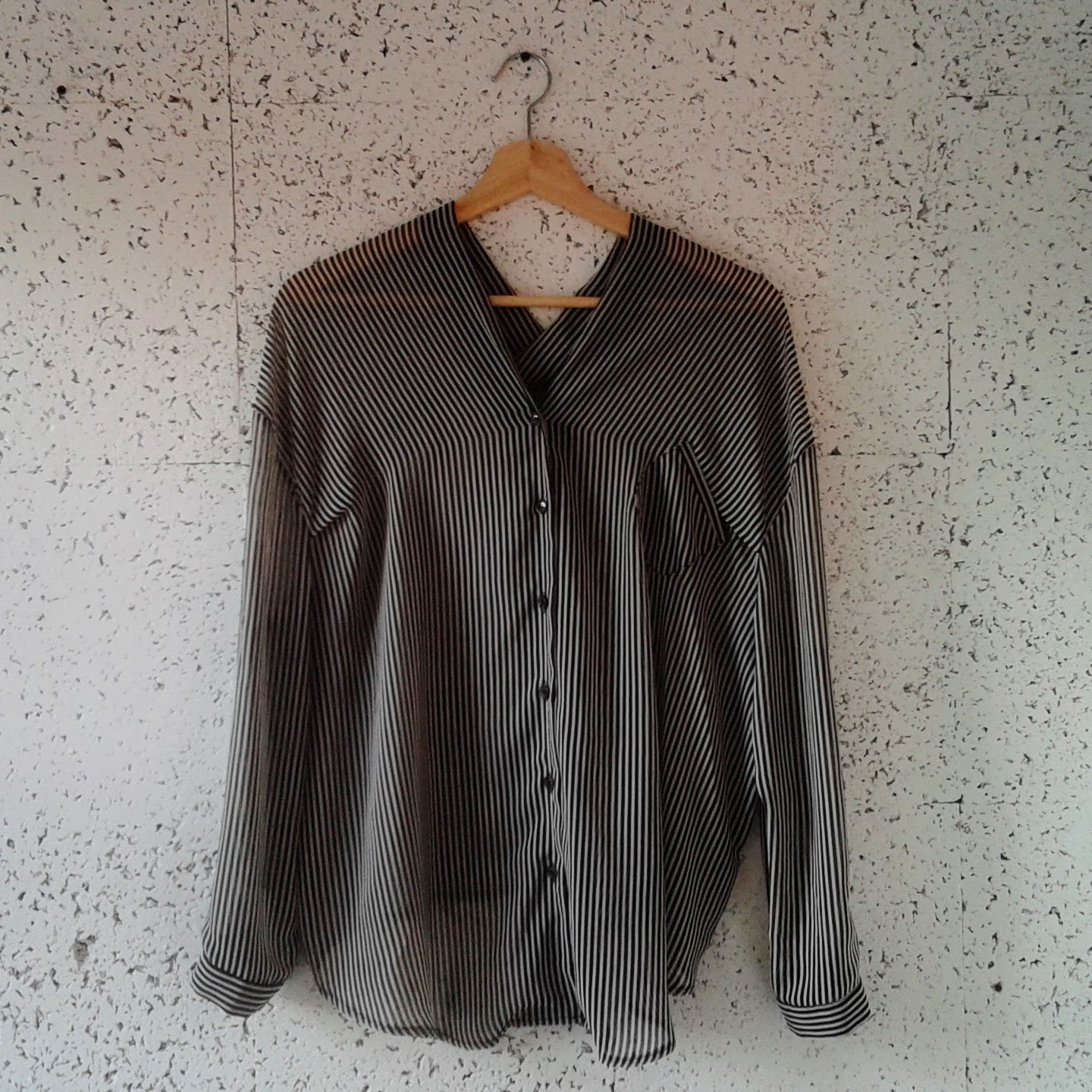 Oak+Fort top; Size M, $32