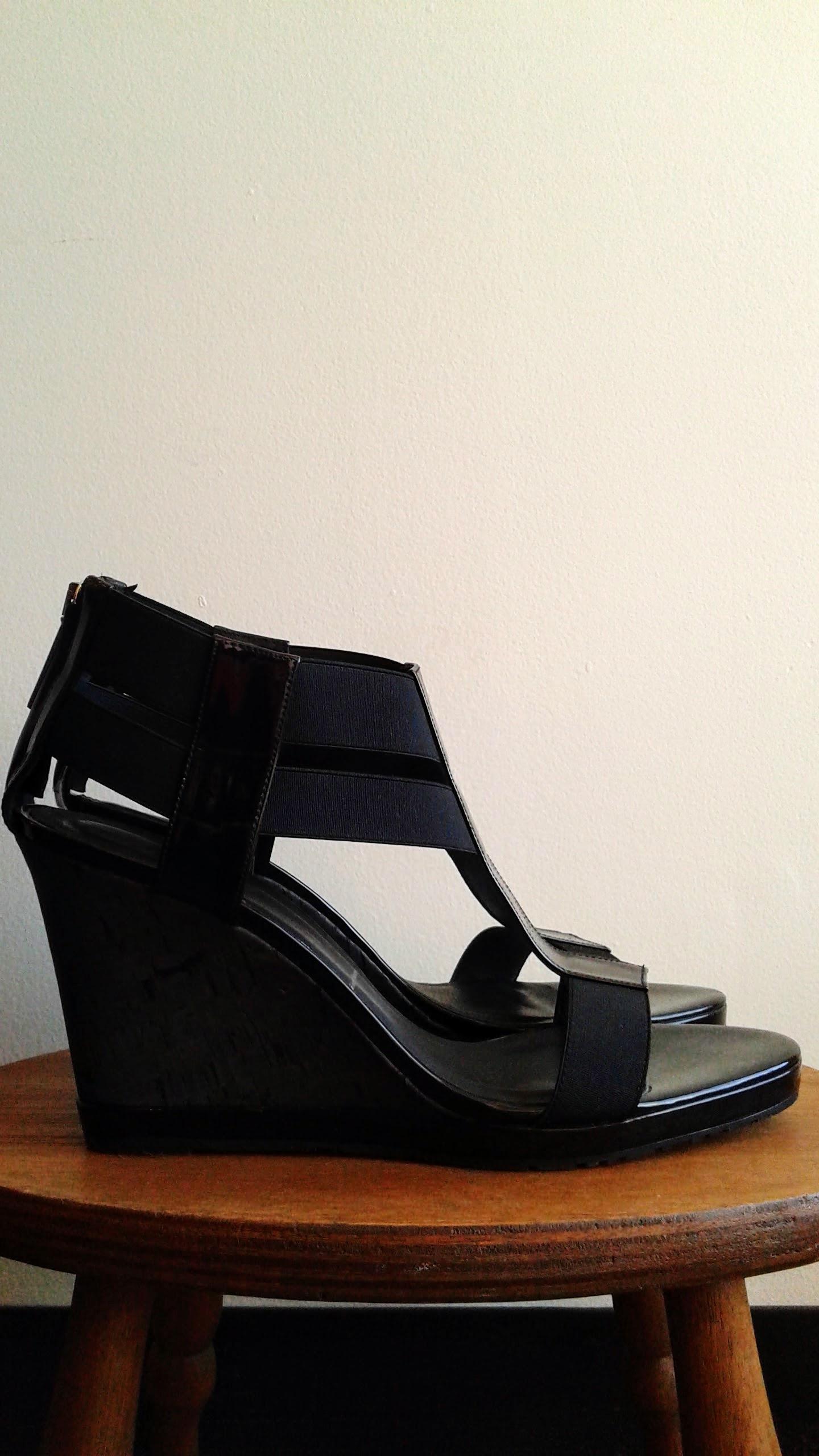 D onald Pilner  shoes; S10, $56