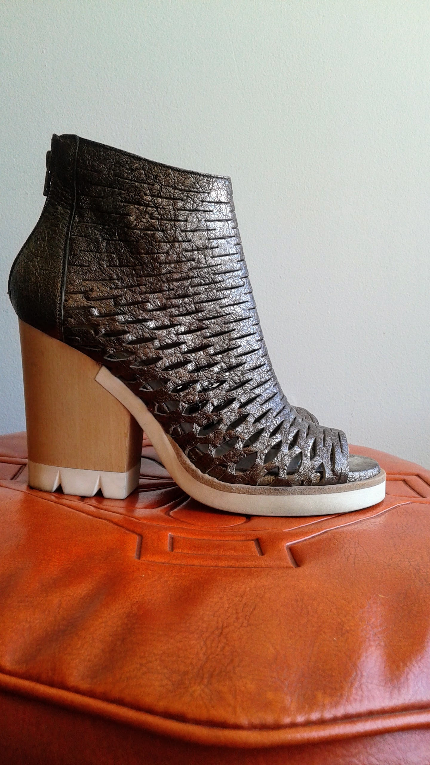 Strategia shoes; S6.5, $42