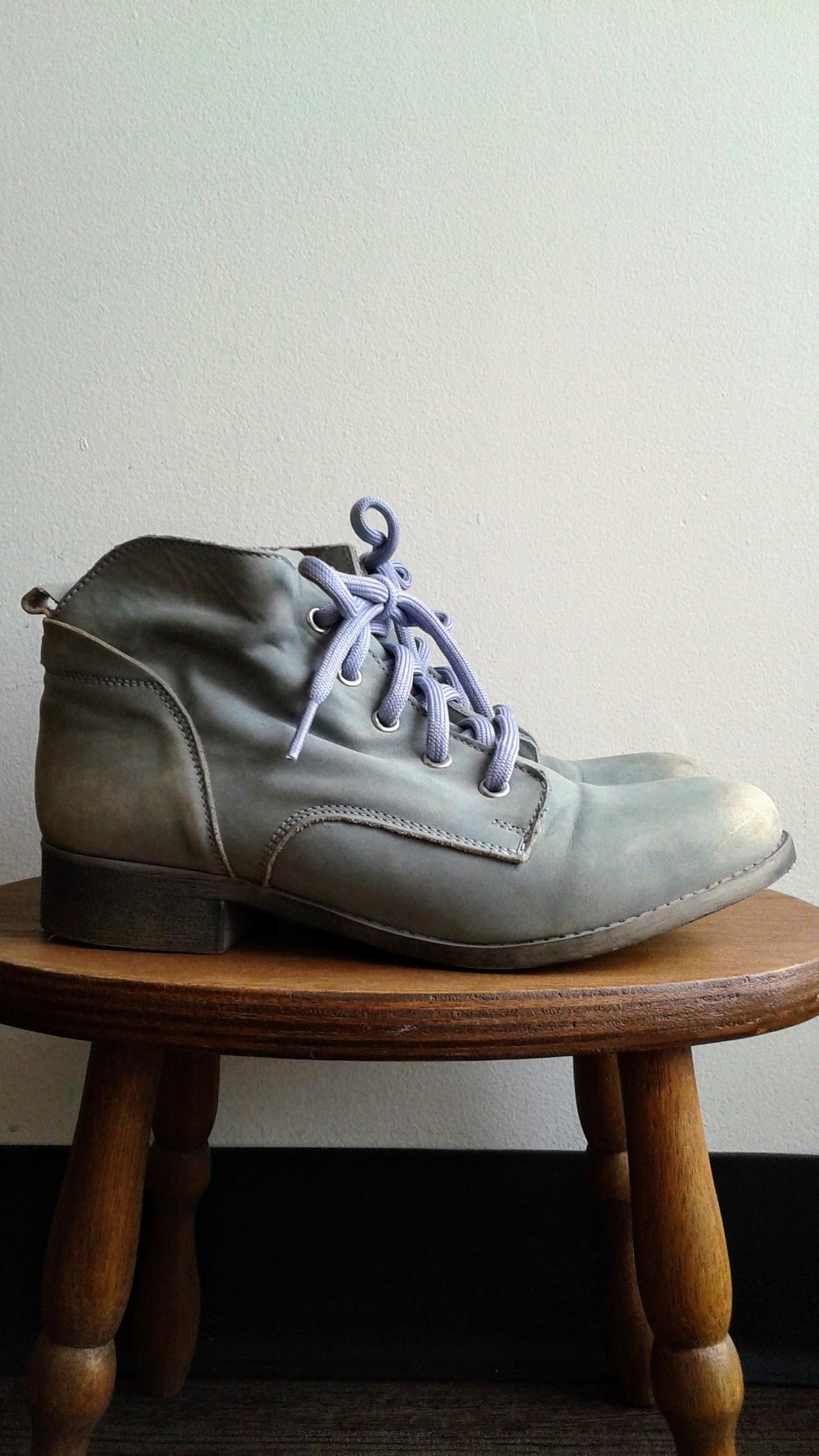 Steve Madden boots; S7.5, $40