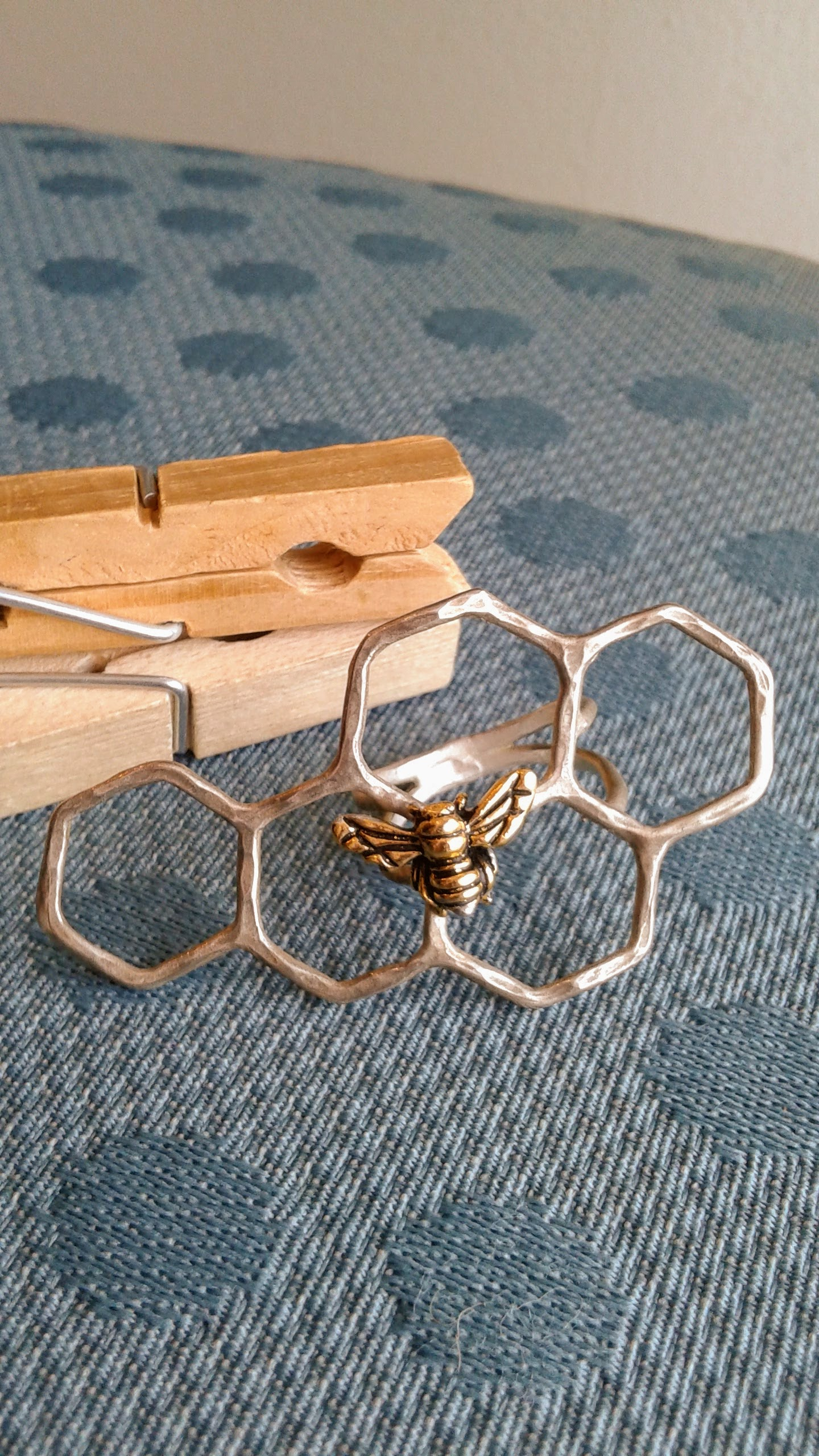Bee ring, $20