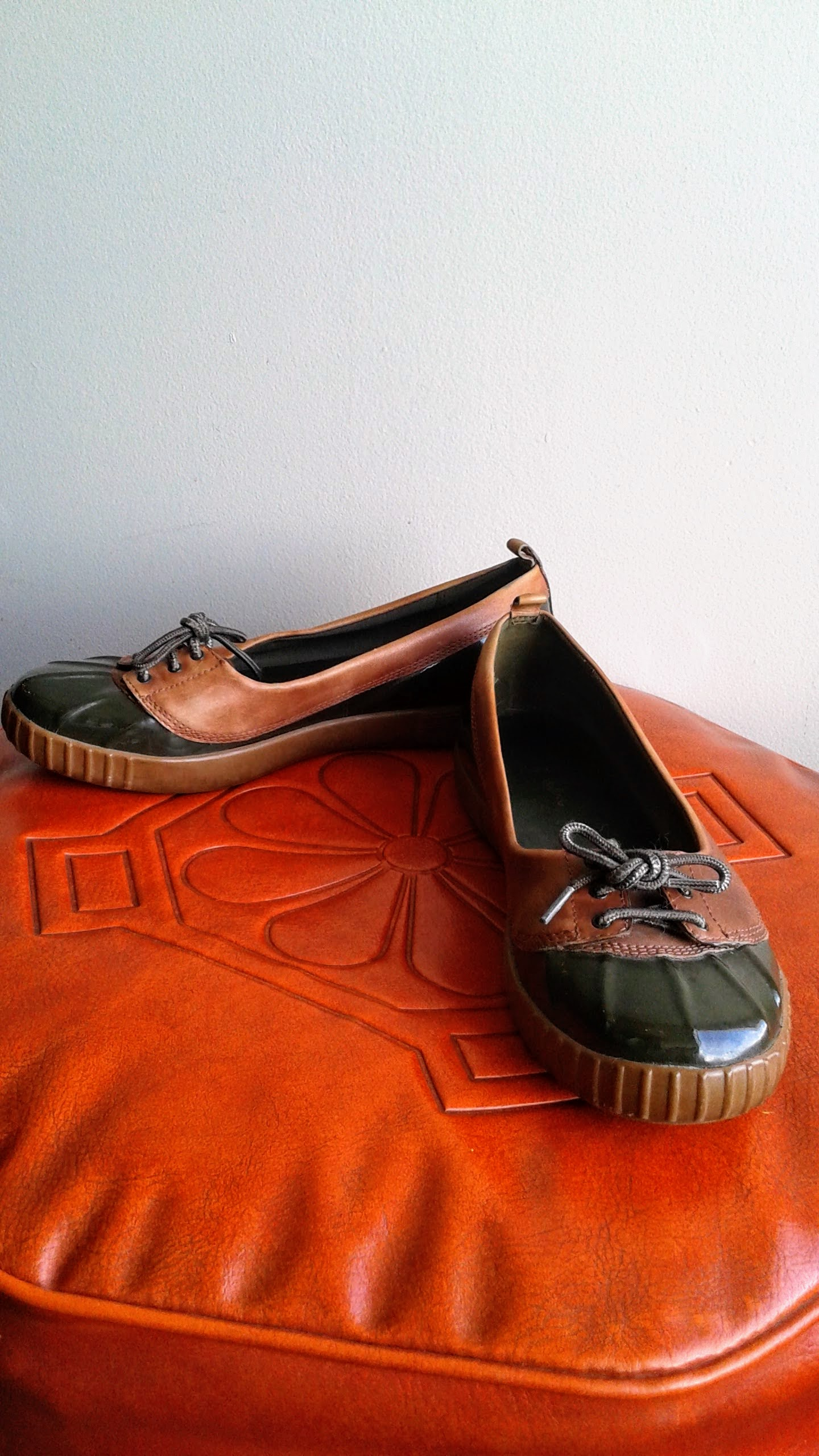 Cole Haan shoes; S7, $38