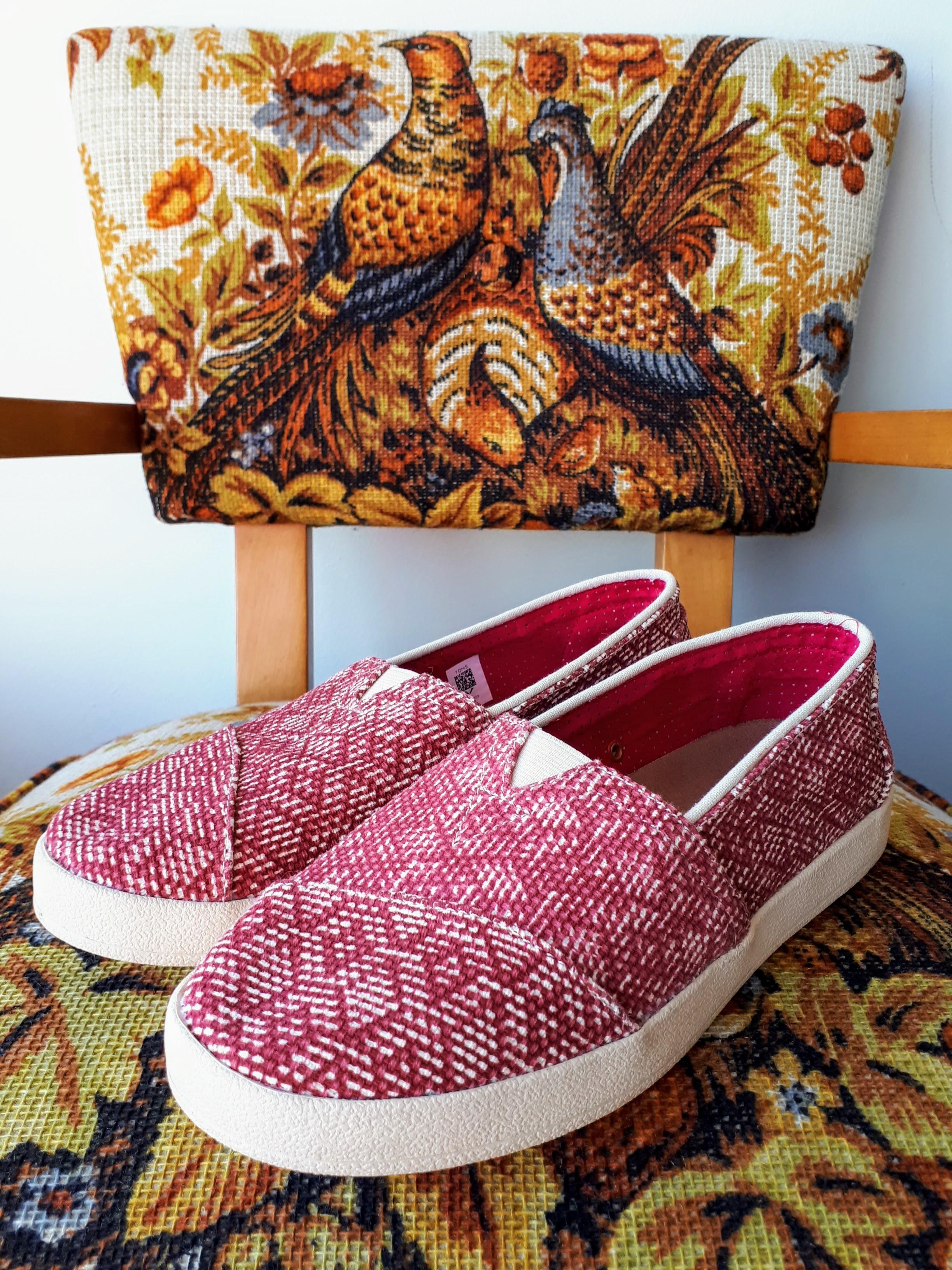 Toms shoes; S7.5, $36