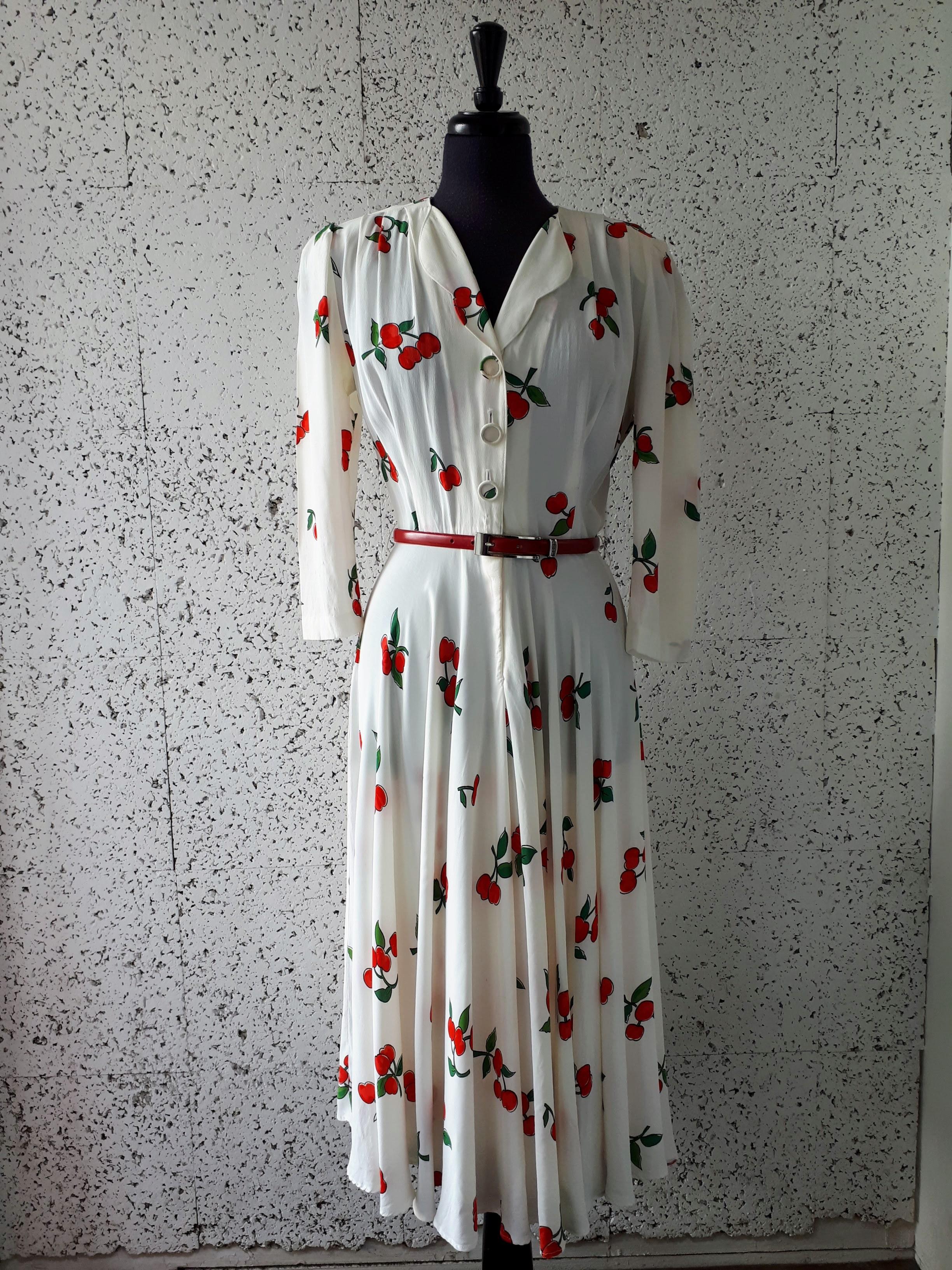 Saint Tropez West dress; Size 6, $42