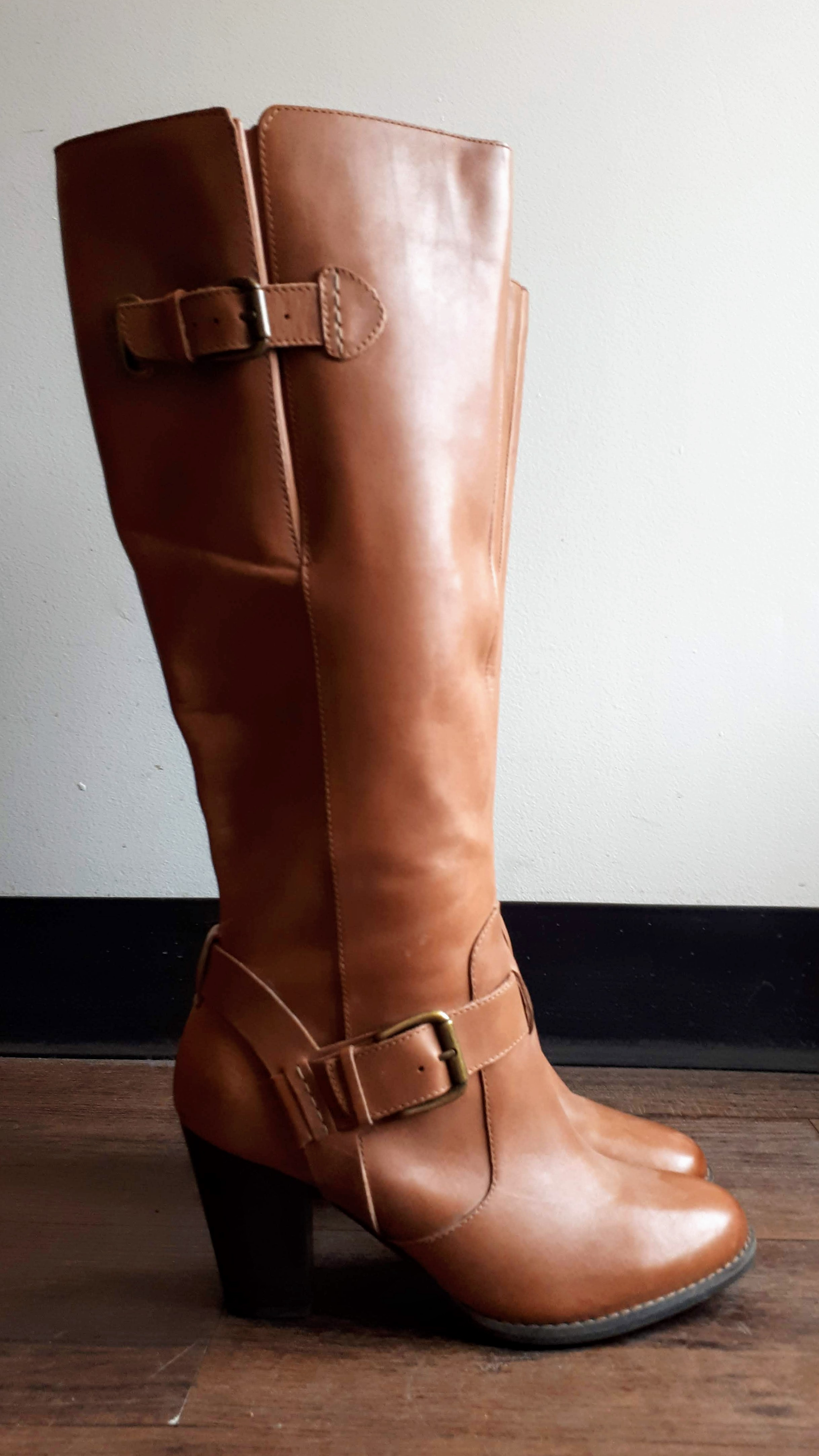 Clarks boots; S7, $95