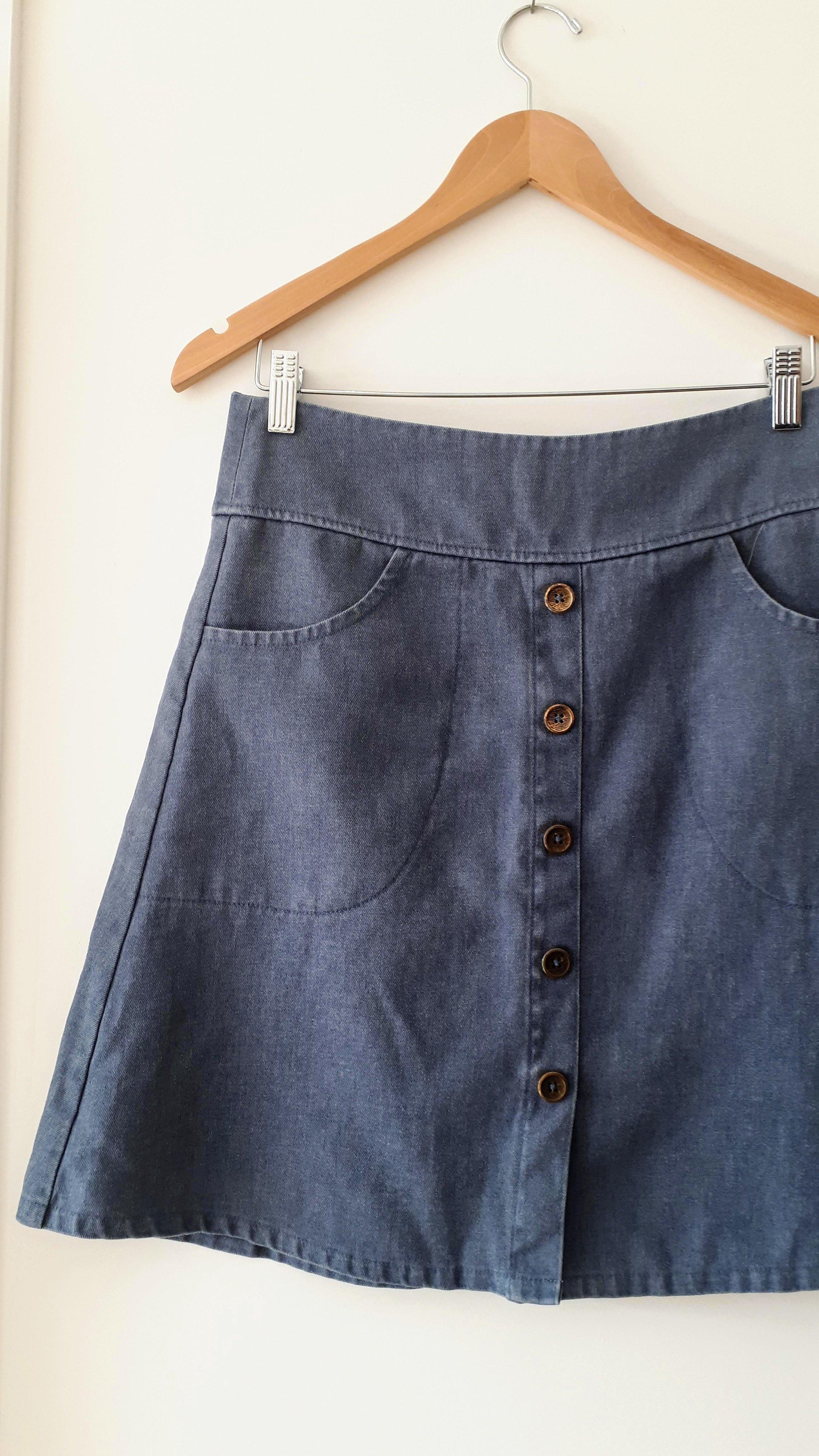Smoking Lily skirt; Size M